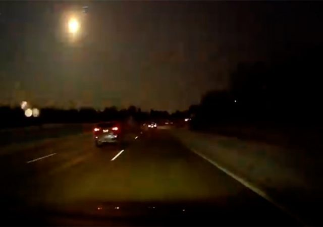 Meteorito ilumina céu nos EUA e causa terremoto em Michigan