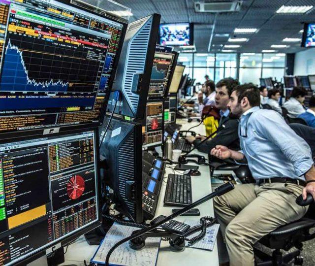 Bolsa brasileira fecha o dia atingindo máxima histórica