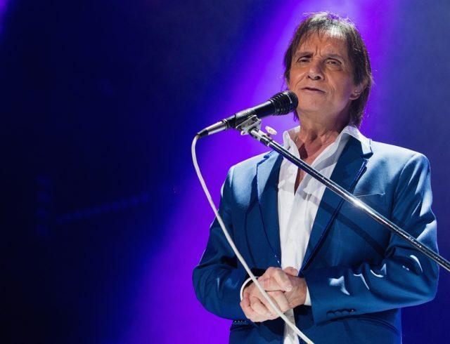Roberto Carlos estaria cogitando fazer dueto com Pabllo Vittar