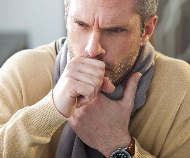 """Hospital fala da """"etiqueta da tosse"""" em mutirão para prevenir gripe"""