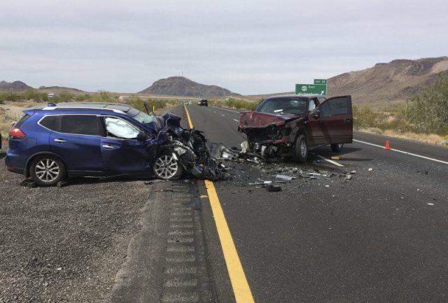 Motorista de van transmite própria morte ao vivo ao bater em caminhão