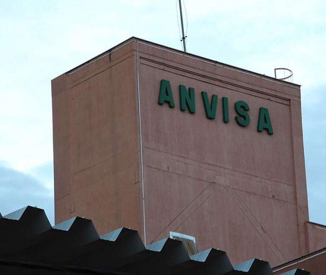 Anvisa define critérios para pedido de uso emergencial da vacina anti-Covid no Brasil