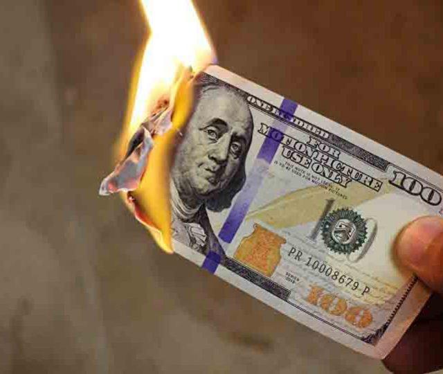Mundo pode estar à beira de uma catástrofe econômica, avisa financista