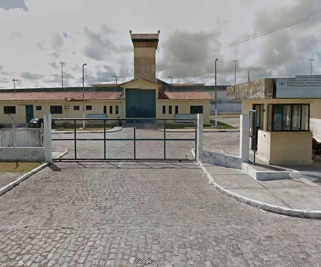 Mais de 100 presos fogem de penitenciária em João Pessoa