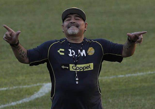 """Resultado preliminar da autópsia diz que Maradona morreu por """"insuficiência cardíaca aguda, congestiva e crônica"""""""