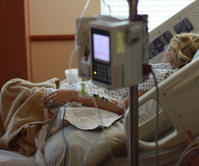 Projeto proíbe hospitais de cobrarem atendimento do paciente em caso de inadimplência do plano de saúde