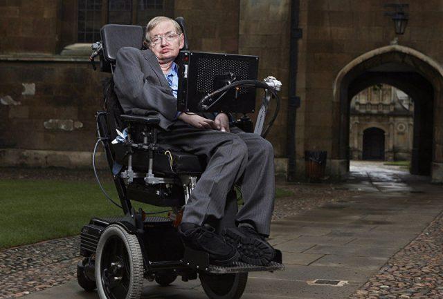 Stephen Hawking viu ameaças que a humanidade pode enfrentar nos próximos anos