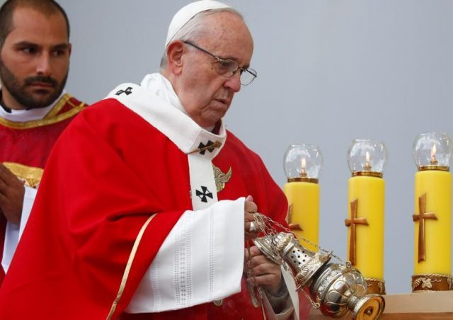 Crimes sexuais não serão mais tolerados na Igreja Católica, diz papa Francisco