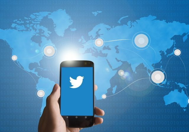 Twitter está removendo milhares de contas vinculadas a Pequim com mensagens falsas sobre Covid-19