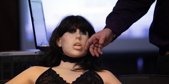 Fabricante de bonecas sexuais diz que pode duplicar qualquer mulher sem seu consentimento