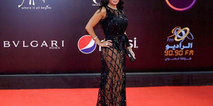 Prisão por vestido transparente: atriz egípcia é acusada de 'incitar depravação'