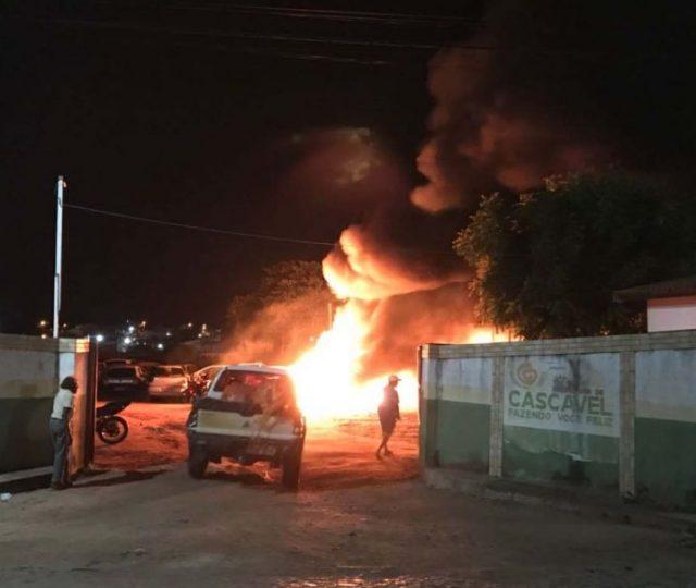 Ceará registra novos ataques a prédios públicos; PF, PRF e Depen vão auxiliar na segurança