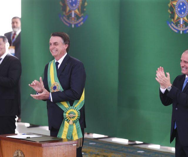 Plenário do TSE decide reabrir a produção de provas em ações que pedem a cassação da chapa de Bolsonaro