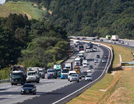 Governo estuda concessão de 5 mil km de rodovias federais