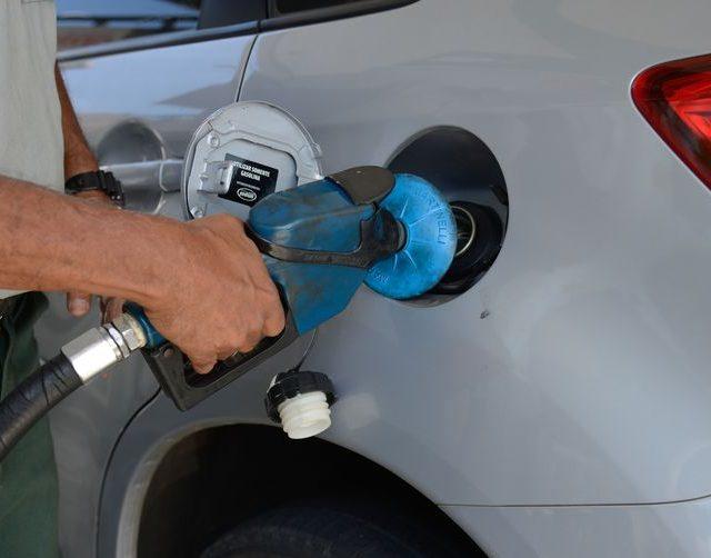 Governador do Rio aceita negociar redução do ICMS dos combustíveis