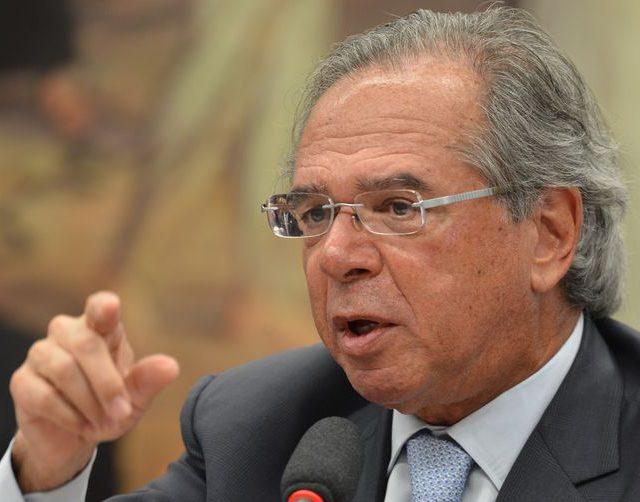 Paulo Guedes confirma auxílio emergencial por mais 3 meses