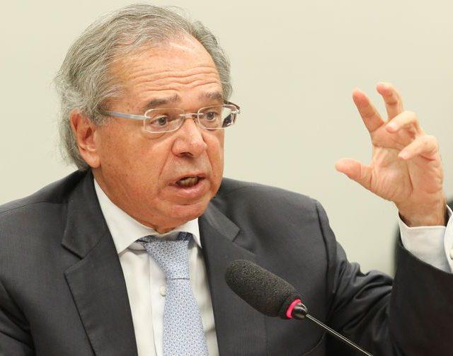 Guedes pede venda de empresas públicas para volta do auxílio de R$ 600