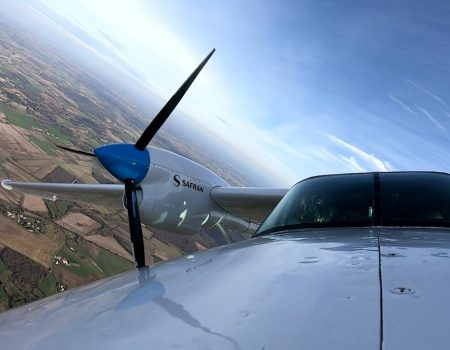 Avião futurista faz lindo voo 'silencioso' em VÍDEO na França