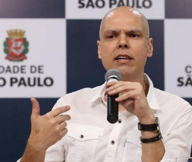 São Paulo vai prorrogar quarentena e bloquear a circulação de carros