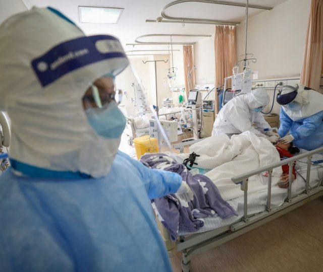 OMS diz que havia mais de uma dúzia de cepas do coronavírus circulando em Wuhan em 2019