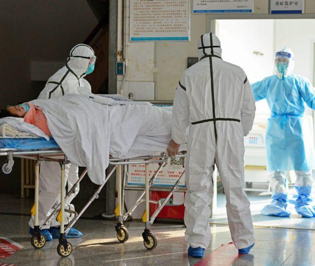 Com avanço da pandemia, prefeitura do Rio suspende plano de reabertura