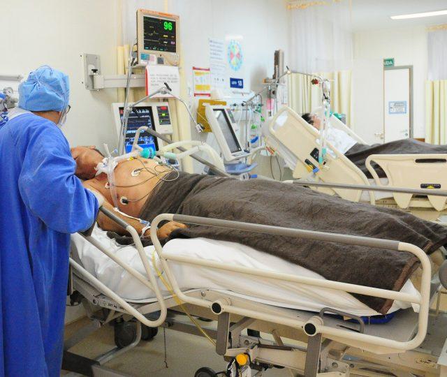 Metade dos hospitais privados do estado de São Paulo estão com UTIs lotadas