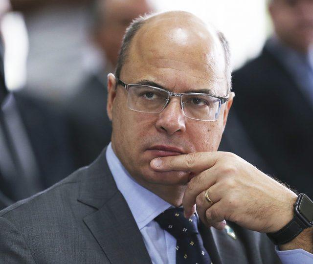 Impeachment no Rio, volta às aulas em SP e os números da Covid-19 no Brasil