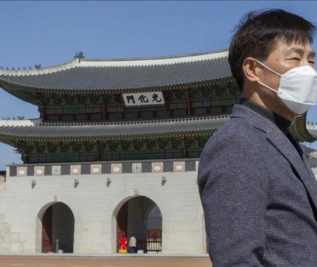 Pacientes recuperados da covid-19 na Coreia do Sul voltam a apresentar vírus