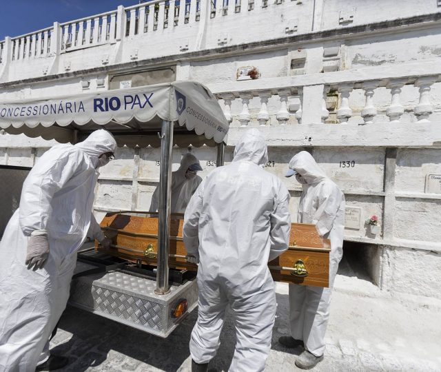 Brasil registra 1.141 mortes por Covid-19; Total chega a 54.971