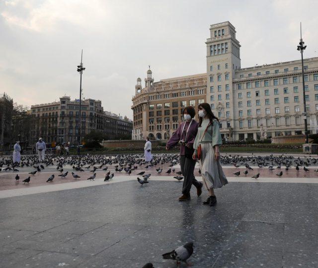 Espanha e Áustria permitem retorno parcial ao trabalho