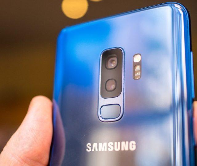Samsung anuncia que não vai mais fabricar smartphones na China