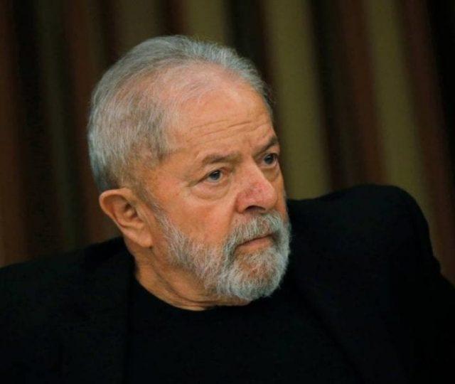 Lula foi diagnosticado com Covid-19 em dezembro e fez isolamento em Cuba