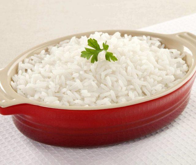 Governo zera alíquota do imposto de importação para arroz até o fim do ano
