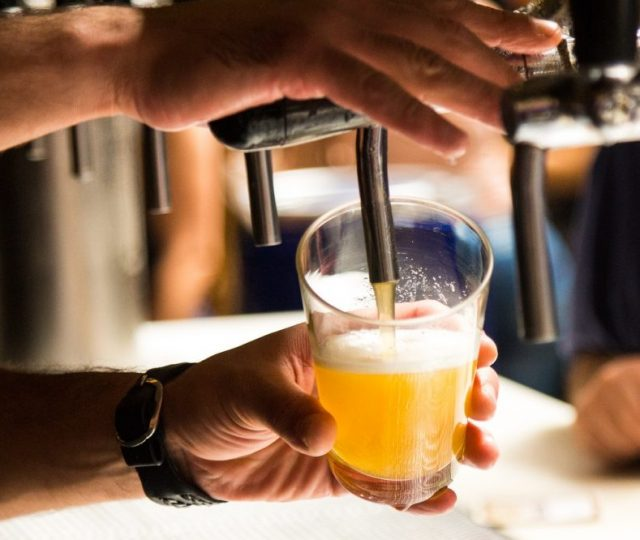 BH proíbe venda de bebidas alcoólicas em bares e restaurantes a partir de hoje