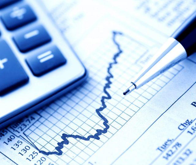 Economia cresce 7,5% do segundo para o terceiro trimestre, mas não recupera a forte retração de 9,7%