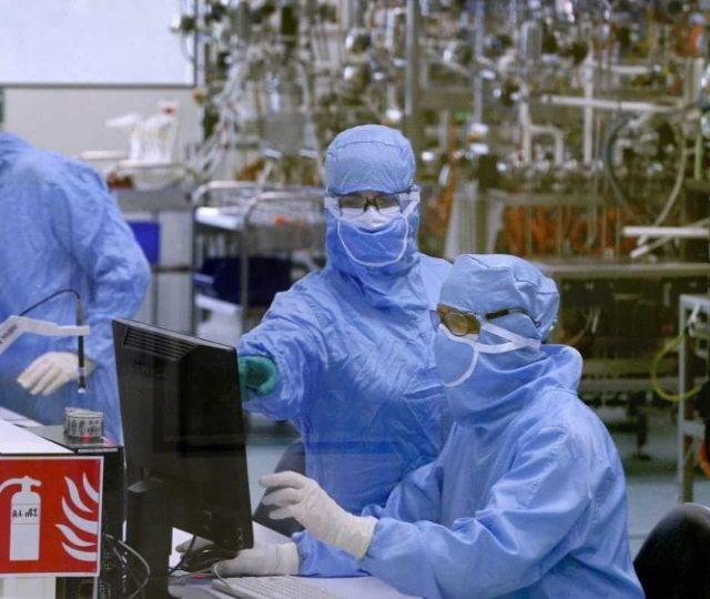 Funcionários de um laboratório em Wuhan procuraram hospital antes de surto de Covid-19 vir à tona