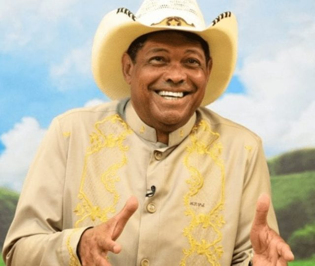 Pastor Valdemiro Santiago vende sementes de feijão por R$ 1 mil com 'cura' da Covid-19