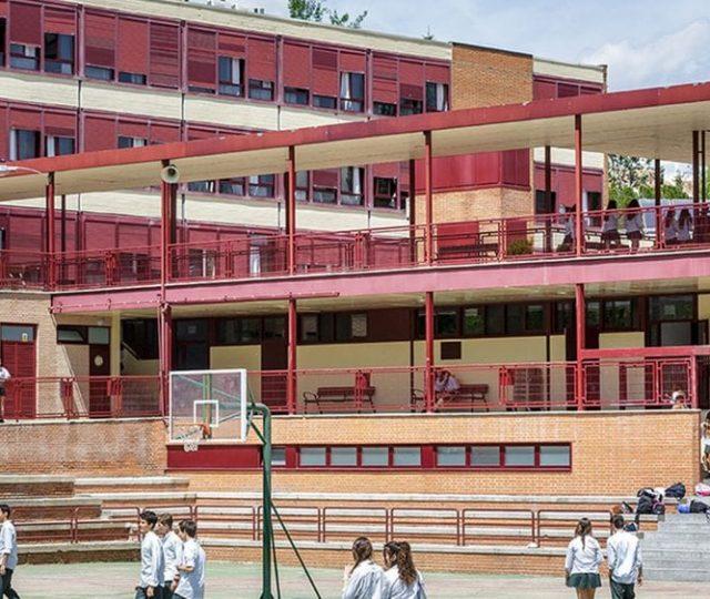 Governo do RJ mantém suspensão das aulas presenciais