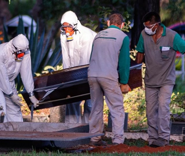 Brasil registra 2.202 novas mortes por Covid-19 e total atinge 421.316