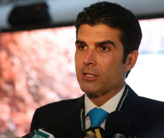Hélder Barbalho é alvo de operação da PF; Governador negociou respiradores sem licitação