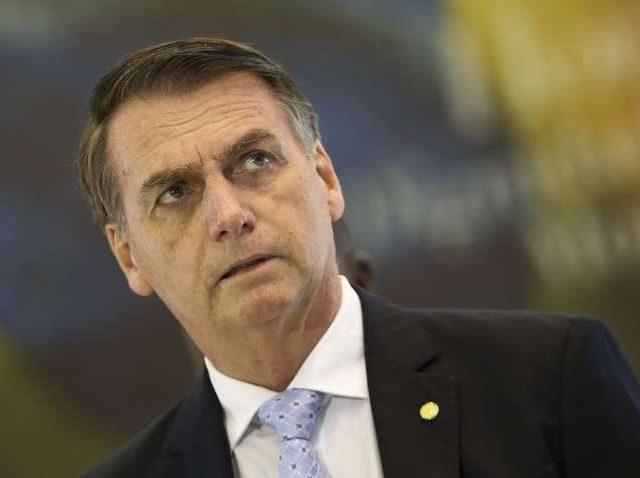 Bolsonaro recusou vacinas da Pfizer à metade do preço pago por EUA e Europa