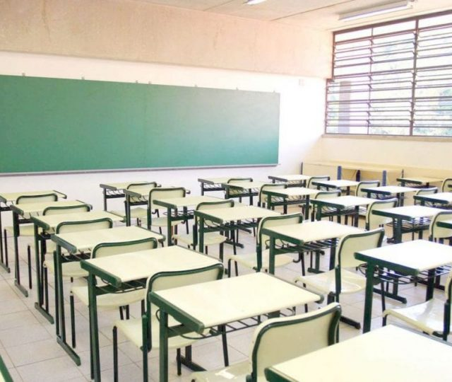 Apesar da permissão de reabertura, 90% das escolas municipais não têm previsão de retorno às aulas