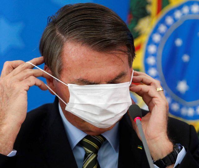 Bolsonaristas agora tentam colocar o presidente como o principal responsável pelo número de recuperados da Covid-19