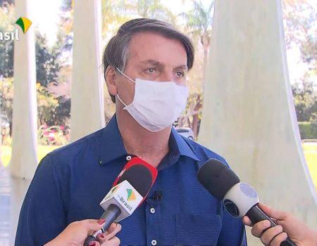 Redes sociais do Palácio do Planalto publicam campanha por distanciamento e uso de máscara