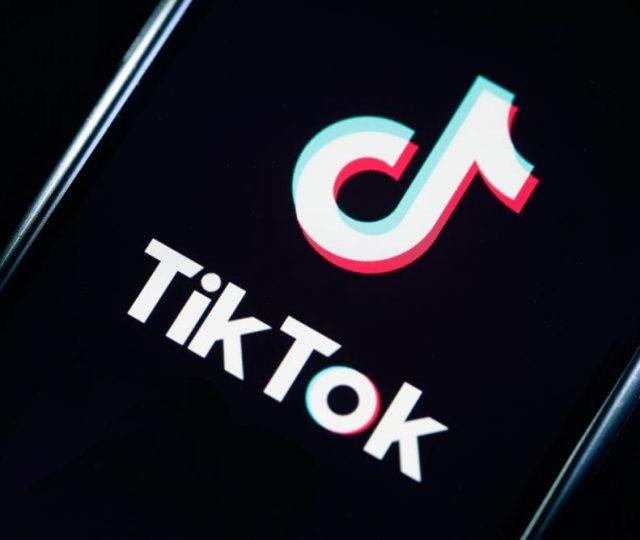 Aplicativo TikTok está sendo processado nos EUA por violação de patente