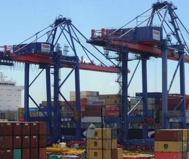 Exportações brasileiras de açúcar tiveram alta de 84% em julho