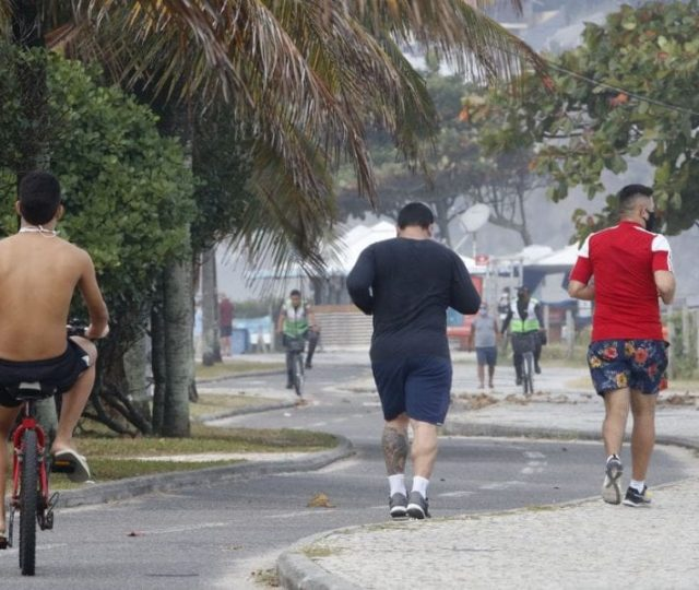 Brasil supera Ásia e lidera número de mortes diárias por Covid-19 em março
