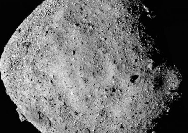 NASA coleta material de asteroide que pode colidir com a Terra