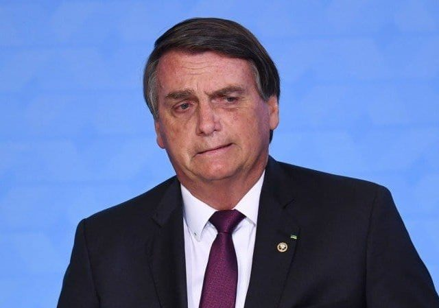 Guedes desmente Bolsonaro sobre 13º do Bolsa Família