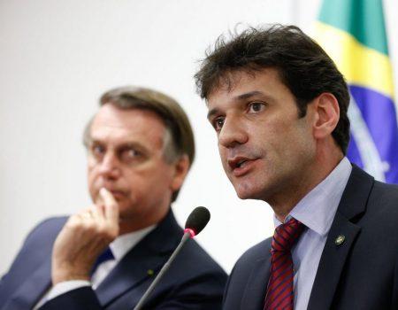Bolsonaro demite ministro do Turismo Marcelo Álvaro Antônio